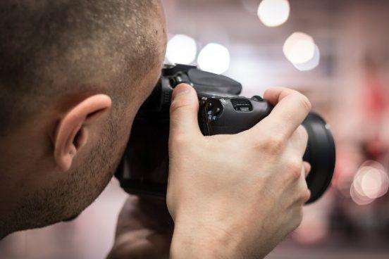 Dygtig fotograf foreviger dine store øjeblikke