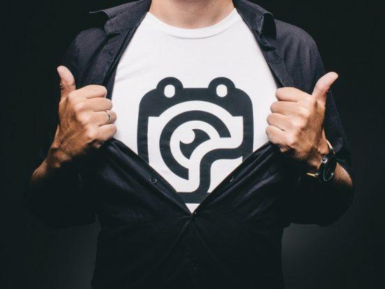 Lav nemt dit eget tryk på t-shirts med smart hjemmeside