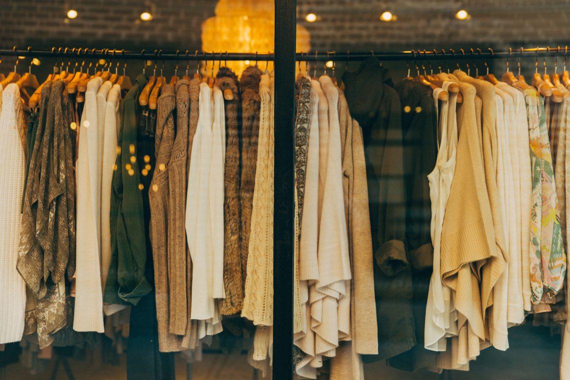 Find det lækre modetøj til kvinder fra Rue De Femme online